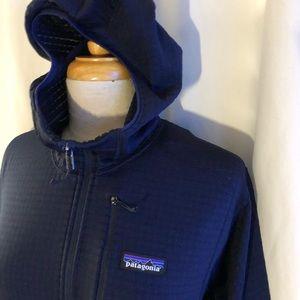 Patagonia mens R1 hooded jacket. New L